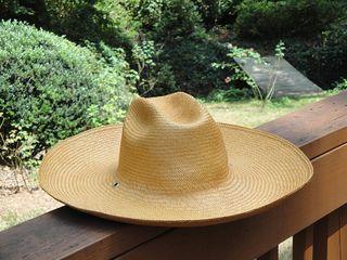 Hat1.0585