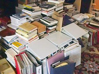 BooksstackedPA230380