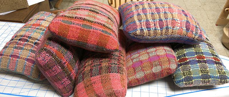 Pillows3745